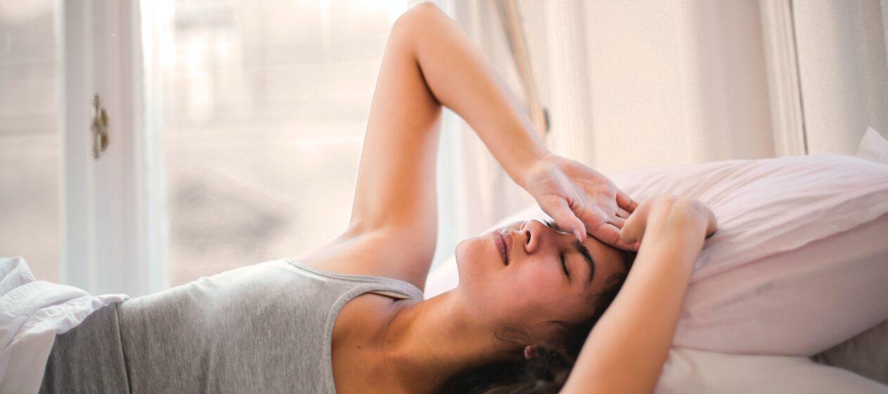 typiske symptomer på diabetes, kvinde i sengen