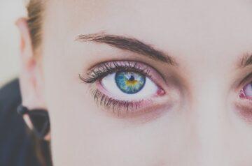 Øjne til kvinde. Forebygge øjenkomplikationer: Sådan passer du bedst på dine øjne